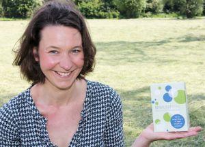 Katrin Linzbach mit ihrem ersten Kartenspiel