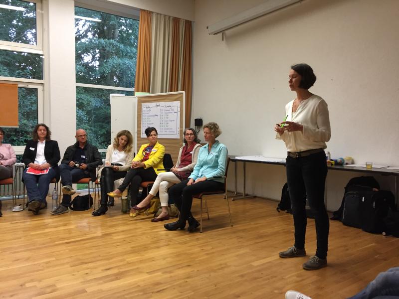 Katrin Linzbach präsentiert_web