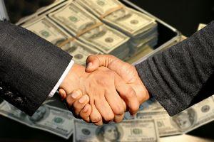 Handschlag beim Verkauf