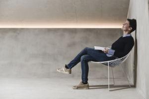 Gehirnexpertin Petra Lehner entspannt